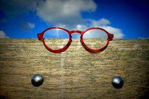 glasses-1583154_1280